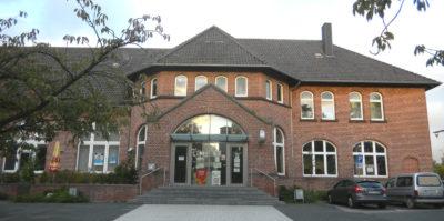 Bahnhofsgebäude Lage - auch denkmalgeschützt