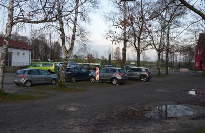 Parkplatz zwischen Schule und Tusculum