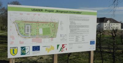 Schild für Leader-Projekt-Eichenallee