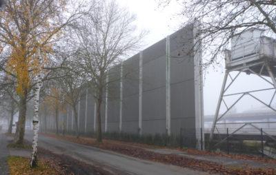 Schallschutzwand der Zuckerfabrik an der Friedrich-Wieneke-Straße