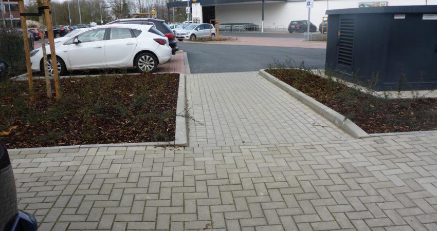 Fussweg vom Lidlparkplatz zum Marktplatz