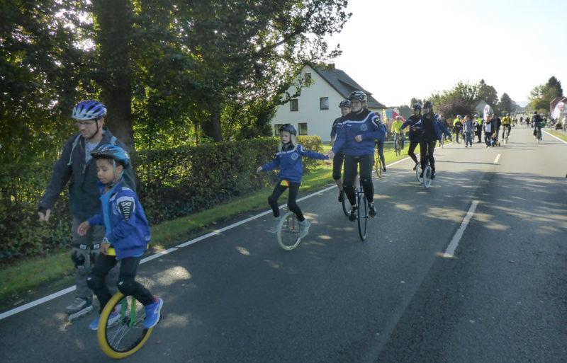 Einradfahren auf der B61