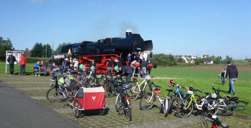 Dampflok auf dem Gelände der Firma Theo Kerkmann findet viele Interessenten