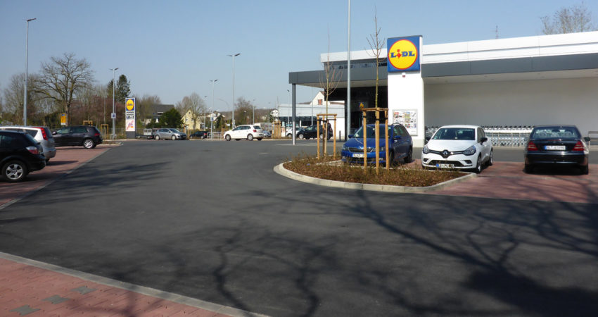 Parkplatz Lidl / DM an der Friedrich-Petri-Straße