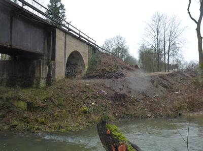 Freigeräumtes Baufeld an der Werrebrücke