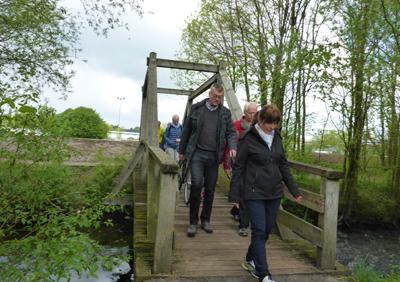 Werrebrücke - im Hintergrund neuer Hochwasserdamm