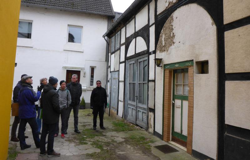 Doppel-Fachwerkhaus Bergstraße - Wie bringt man sinnvolle Nutzung und Denkmaleigenschaft zusammen?