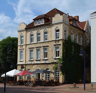 'Alter Keller' denkmalgeschütztes Haus am Marktplatz in Lage