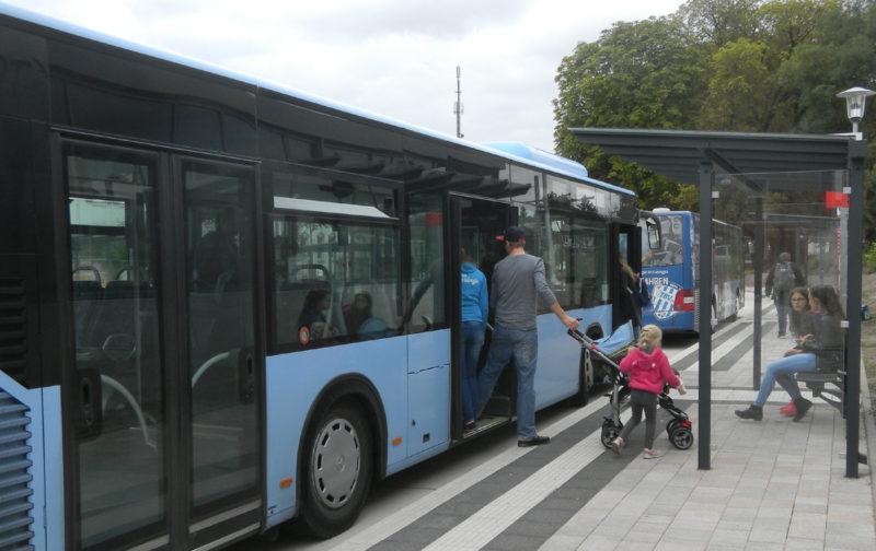 Umsteigen am Busbahnhof Lage