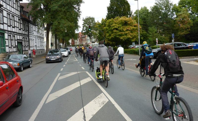 Mit dem Fahrrad Ziele erreichen: Über ein gutes Radwegenetz in OWL