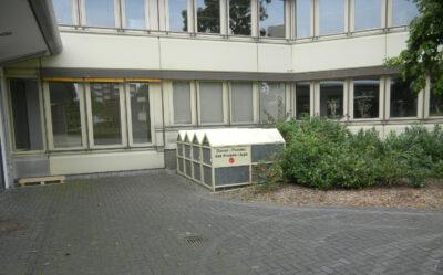 Boxen für Dienstpedelecs vor dem Kreishaus in Lippe
