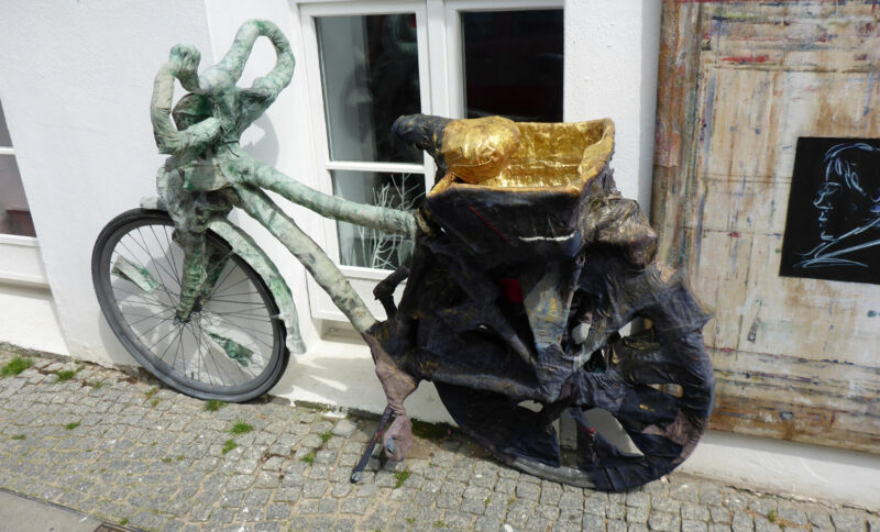 Künstlerisch umgestaltetes Fahrrad