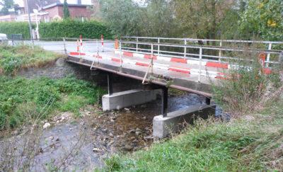 Provisorische Sicherung der Brücke am Umfluter