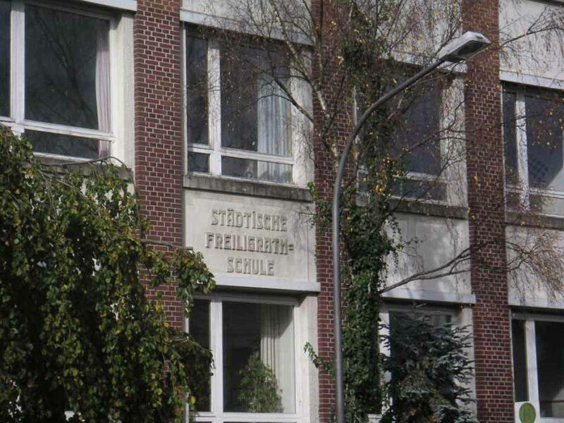 Fassade der Realschule - heute Sekundarschule in der Friedrichstraße
