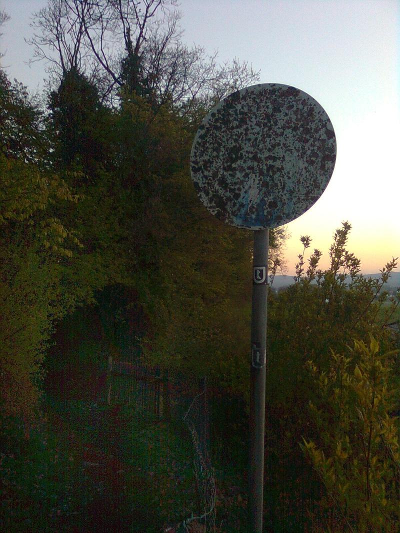 Schild auf dem Wappenweg (Wanderweg) im Bereich Greimberg