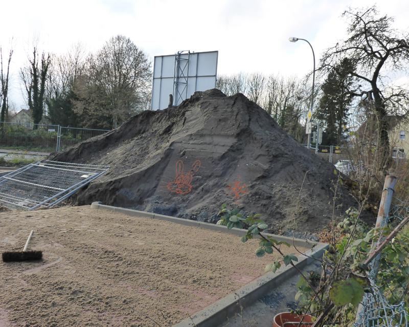 Bauarbeiter mit künstlerischer Ader - Lidlbaustelle am Westcarree, Friedrich-Petri-Str.