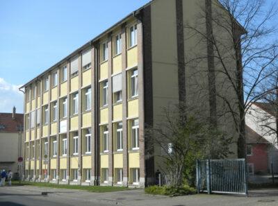 Fensterfront der Sekundarschule an der Friedrichstraße