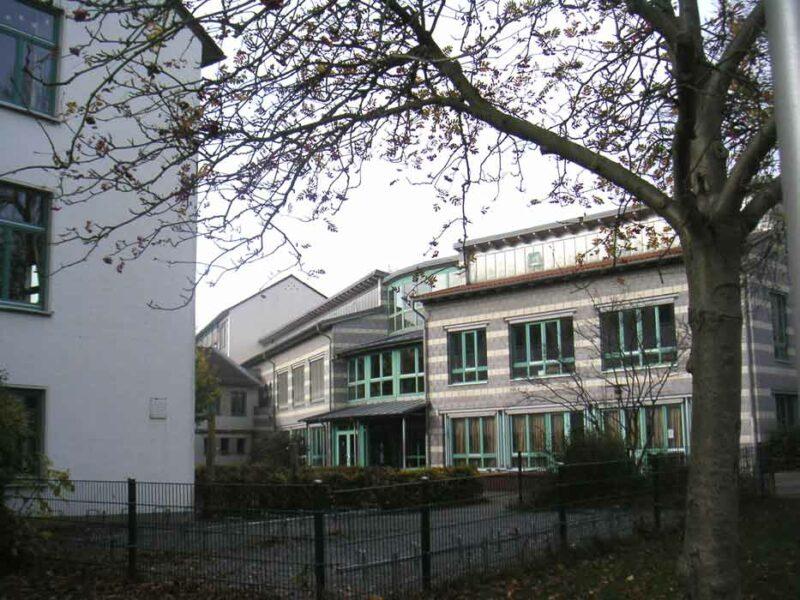 Sekundarschule Lage, Gebäude Brahmstraße
