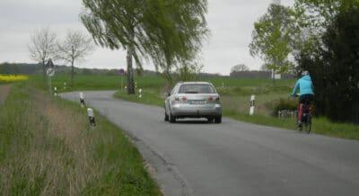 Fehlender Radweg an der Liemer Straße