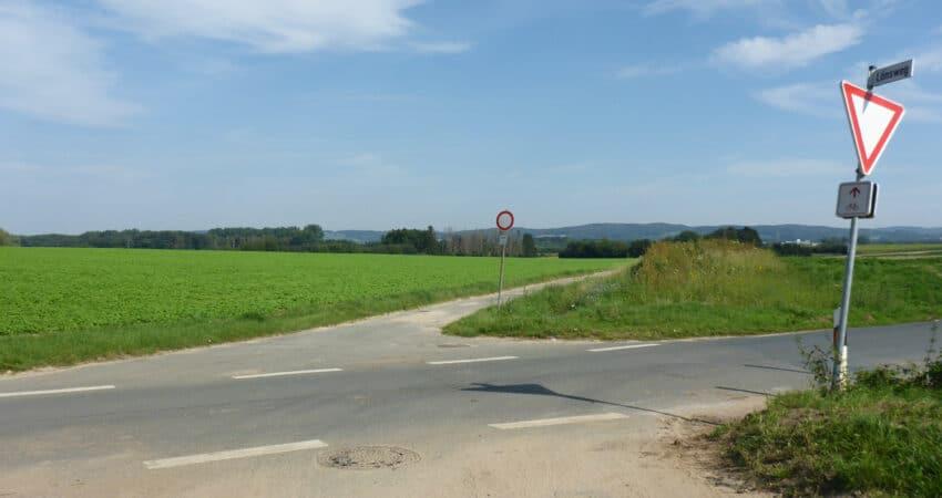 Zufahrt zur Wurftaubenschießanlage in Lage-Hagen von der Liemer Straße