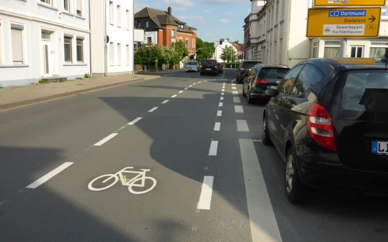 Radstreifen an der Pottenhauser Straße